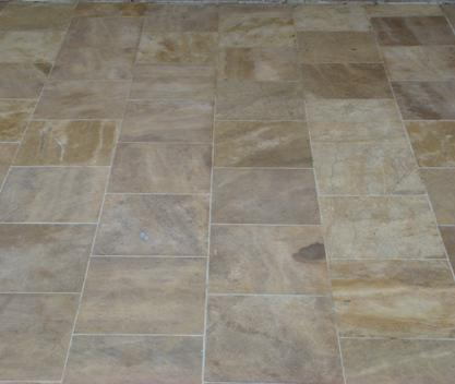 BEIGE NATURAL STONE SAND-BLASTED AND DRUMMED, 30X30X2 CM.