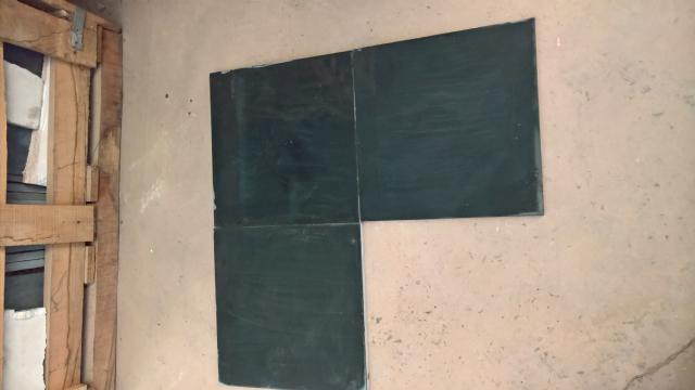 KADAPAH BLACK - 40 X 40 cm. - LEISTEEN