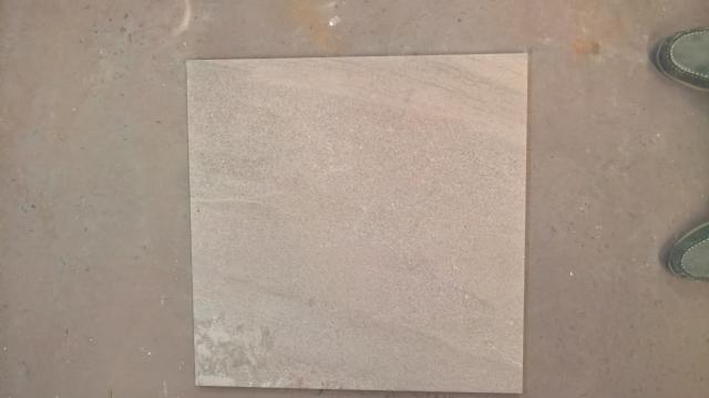 LOT KERAMISCHE BUITENTEGELS 60 X 60 X 2 cm.